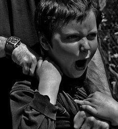 Como lidar com a agressividade de seu (a) filho (a)