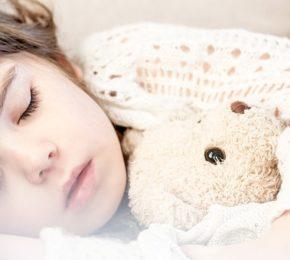 Sua criança sofre de temor noturno?